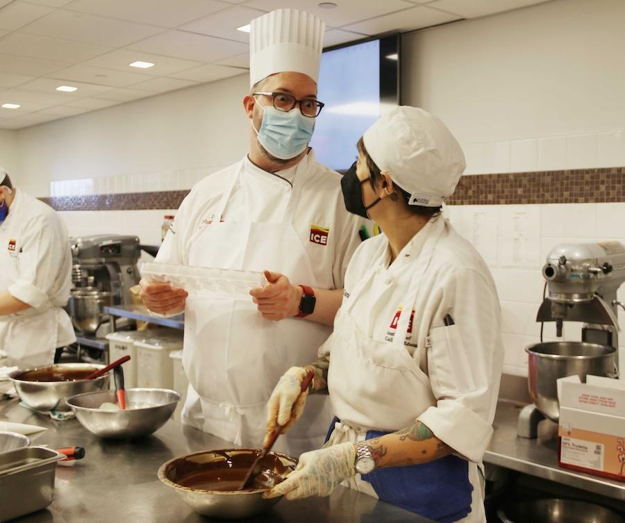 Chef Jurgen David teaching a student at ICE